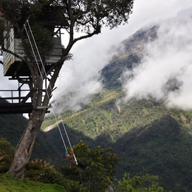 """Visit The swing at the """"End of the World"""" in Baños, Ecuador - Bucket List Ideas"""