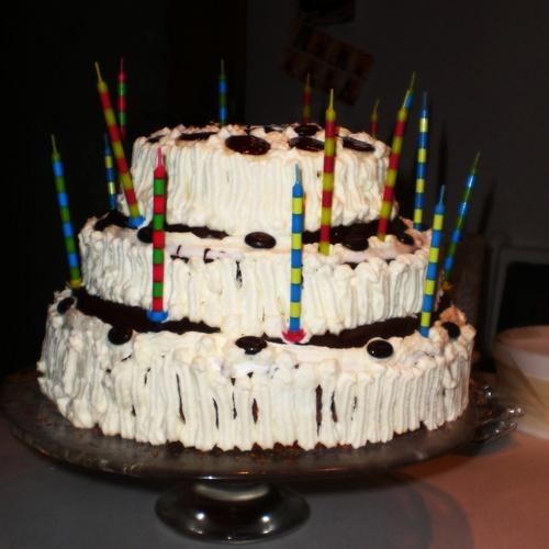 Einen mehrstöckige Torte backen! - Bucket List Ideas