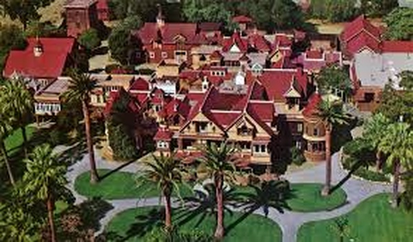 Visit Winchester Mystery House, California - Bucket List Ideas