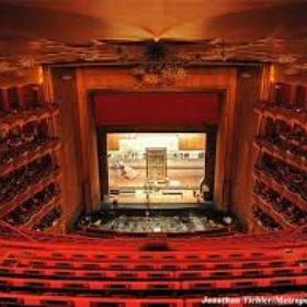 Go to New York Metropolitan Opera - Bucket List Ideas