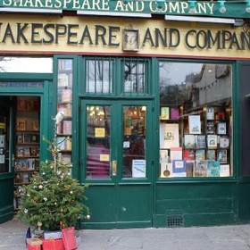 Go to Shakespeare & Company bookshop, Paris - Bucket List Ideas
