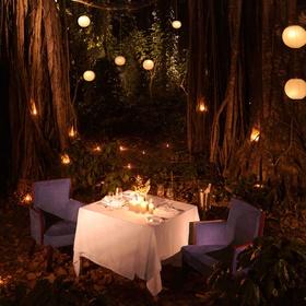 Go on a romantic night picnic - Bucket List Ideas