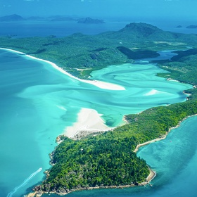 Swim at the Whitsundays - Bucket List Ideas