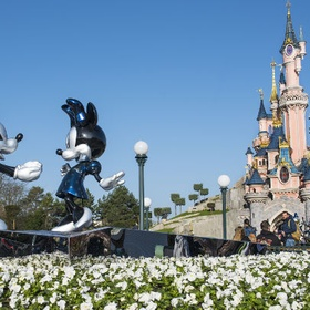 Visit Disneyland Paris - Bucket List Ideas