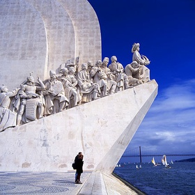 Visit Monument of Discoveries - Bucket List Ideas