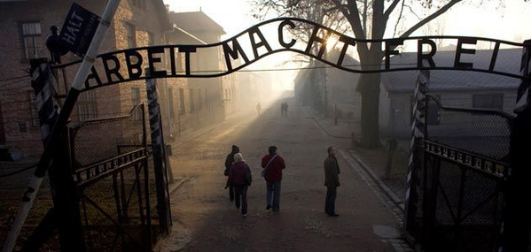 Tour Auschwitz - Bucket List Ideas