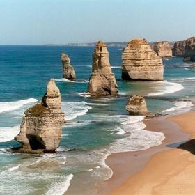 Visit the Twelve Apostles iIn Australia - Bucket List Ideas