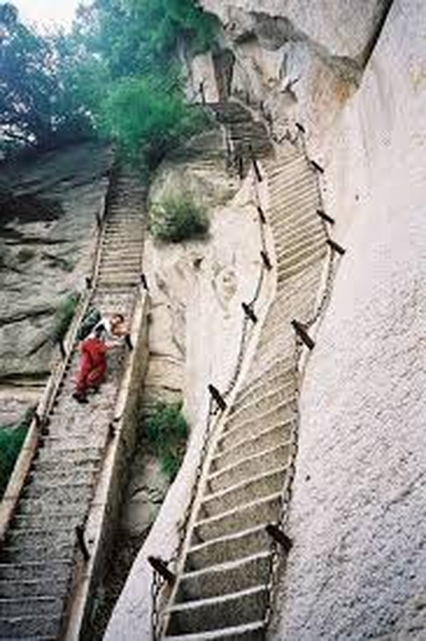 Hike Huashan trail~China - Bucket List Ideas