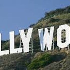 Stand under the Hollywood sign - Bucket List Ideas
