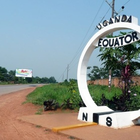 Kiss someone while standing on the equator! - Bucket List Ideas