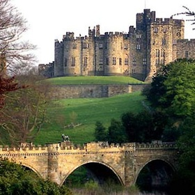 Visit Alnwick castle - Bucket List Ideas