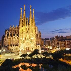 Visit Sagrada Familia in Barcelona - Bucket List Ideas
