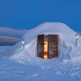 Spend the night in an igloo - Bucket List Ideas