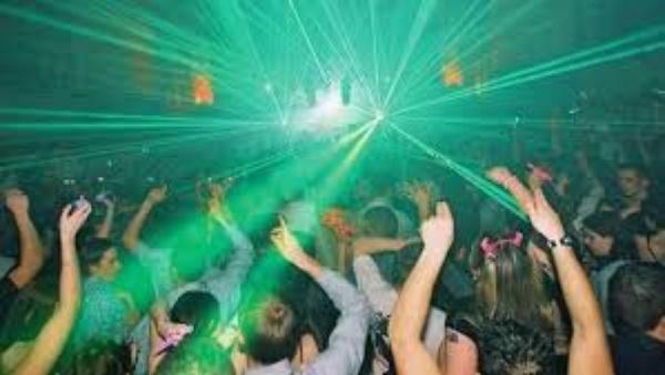 Go clubbing! - Bucket List Ideas