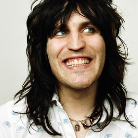 Hug Noel Fielding - Bucket List Ideas