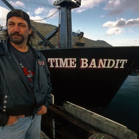 "Go crabbing on a boat from the ""Deadliest Catch"" - Bucket List Ideas"