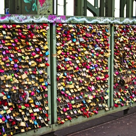 ATTACH A LOCK TO A LOVE BRIDGE - Bucket List Ideas