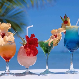 Have a luxury holiday with white sand and cocktails - Bucket List Ideas