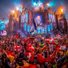 Go to Tomorrowland - Bucket List Ideas