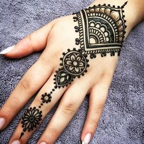 Get a Henna Tatoo - Bucket List Ideas