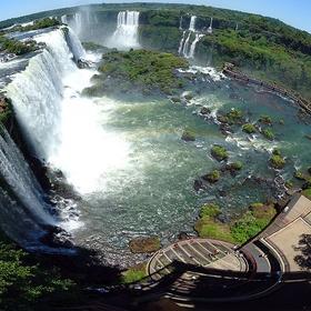 Visit Iguazu Falls On The Border Of Brazil And Argentina - Bucket List Ideas