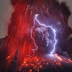 See an active volcano erupt - Bucket List Ideas