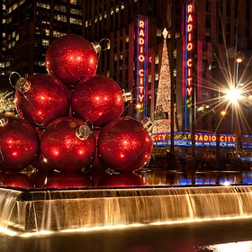 Visit New York City at Christmas time - Bucket List Ideas