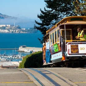 Ride a cable car in San Francisco - Bucket List Ideas