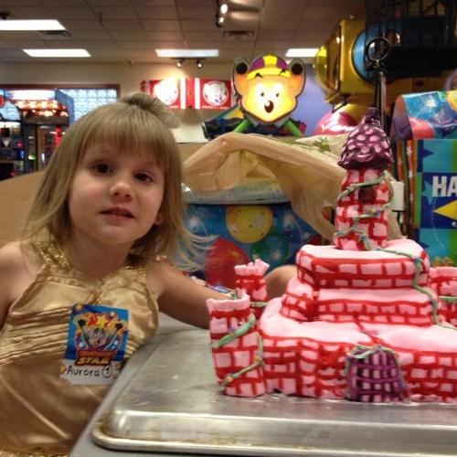 Make a cake with Fondant - Bucket List Ideas