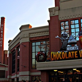 Go to the Hershey Chocolate Factory - Bucket List Ideas