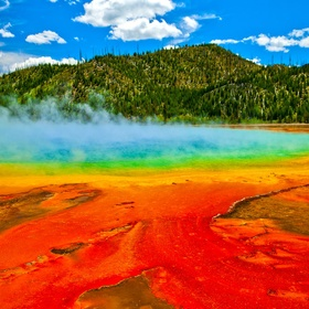 Visit Yellowstone National Park, Wyoming USA - Bucket List Ideas