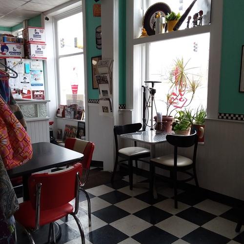 Eat at Desert Rose Cafe - Bucket List Ideas
