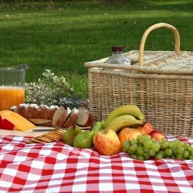 Go on a romantic picnic! - Bucket List Ideas