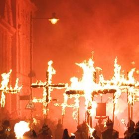 Celebrate Bonfire Night in Lewes, England - Bucket List Ideas