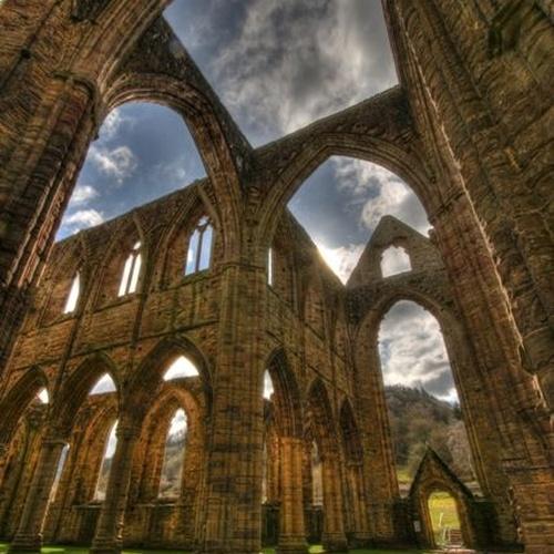 Visit the ruins of Tintern Abbey - Bucket List Ideas
