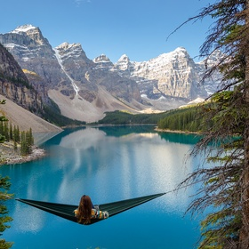 Visit Moraine Lake, Alberta Canada - Bucket List Ideas