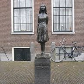Visit the anne frank house in amsterdam - Bucket List Ideas