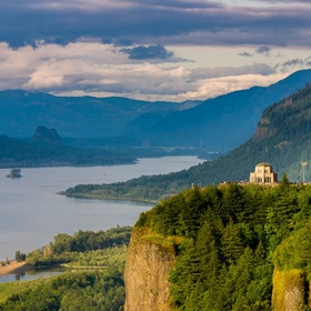 Visit Vista House in Oregon, USA - Bucket List Ideas