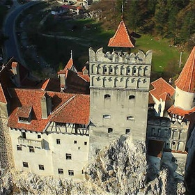 Visit Bran Castle (Dracula's castle) in Transylvania - Bucket List Ideas