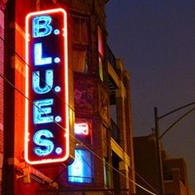 Go to a Blues bar in Chicago - Bucket List Ideas