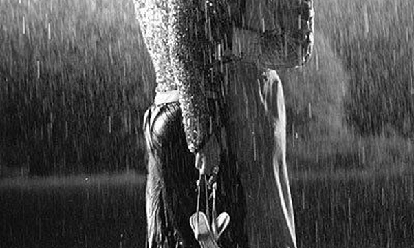 Be kissed in the rain - Bucket List Ideas