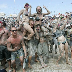 Have a Mud Fight - Bucket List Ideas
