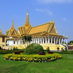 Visit the Royal Palace of Phnom Penh - Bucket List Ideas