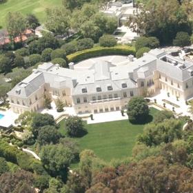 Go on a celebrity homes tour - Bucket List Ideas
