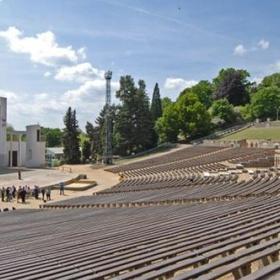 Go to an amphitheater - Bucket List Ideas