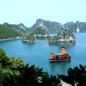 Visit Halong Bay, Vietnam - Bucket List Ideas