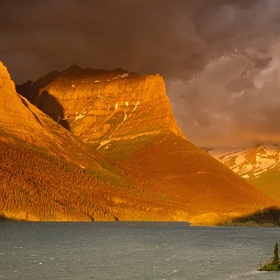 Visit St. Mary Lake in Glacier National Park, Montana - Bucket List Ideas