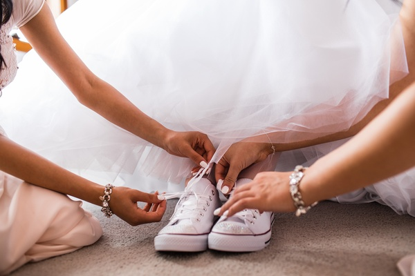 Wear RED heels OR Converse Chucks  on my wedding day! - Bucket List Ideas