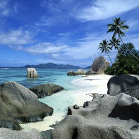 Visit the Seychelles and spend a day on Anse Source d'Argent - Bucket List Ideas