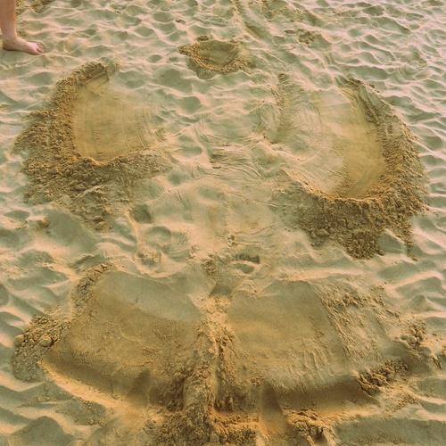 Einen Sandengel machen - Bucket List Ideas